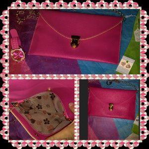 Handbags - NEW ITEM Beautiful Envelope Handbag