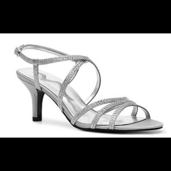 02035726758 Silver Nina Glynna Nordstrom Low heel. M 58b9a5455a49d0c78e014d89