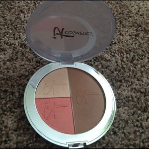 it cosmetics  Other - The ultimate compact