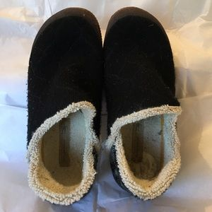 Smartwool Shoes - Size 6.5 Smartwool Slippers
