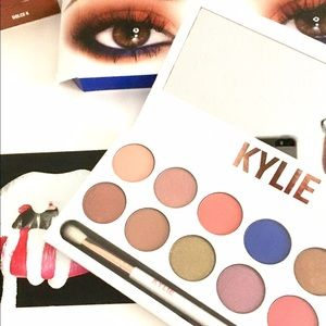 Kylie Cosmetics Other - Kylie Royal Peach Palette