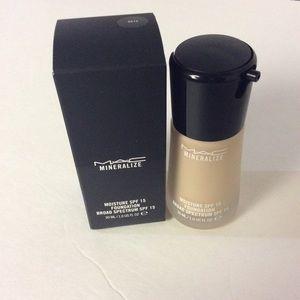 MAC Cosmetics Other - MAC NC15 Mineralize SPF15 Foundation