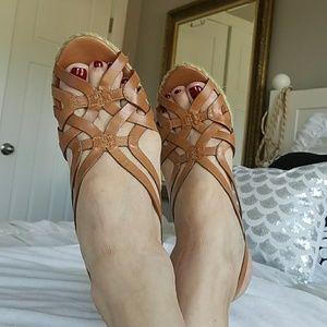 Via Spiga Shoes - 💕💕💕VIA SPIGA PLATFORM SANDALS SIZE 9