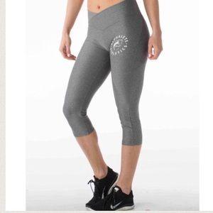 Alphalete grey cropped leggings
