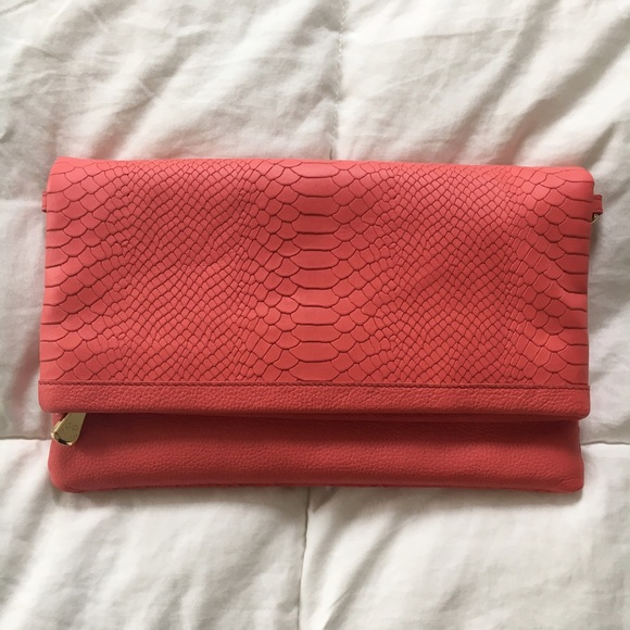 GiGi New York Bags - SALE❗️Gigi New York Poppy Carly Convertible Clutch