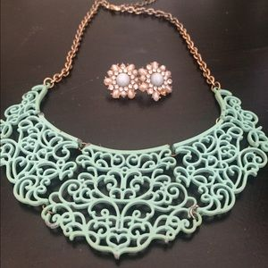 Lovely mint earring and necklace set