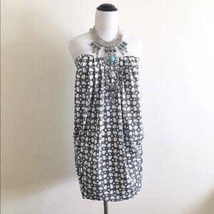 Symphony Dresses & Skirts - Symphony black and white strapless dress