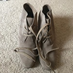 Dolce Vita Shoes - Dolce vita suede booties size 9.5