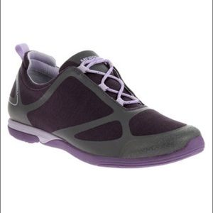 Merrell Shoes - SALE! NWT Merrell Logan Berry Sneakers