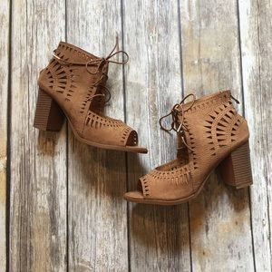 Tan cut out heel
