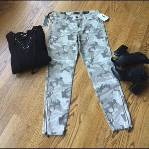 i jeans by Buffalo Pants - NWT camo ankle pants