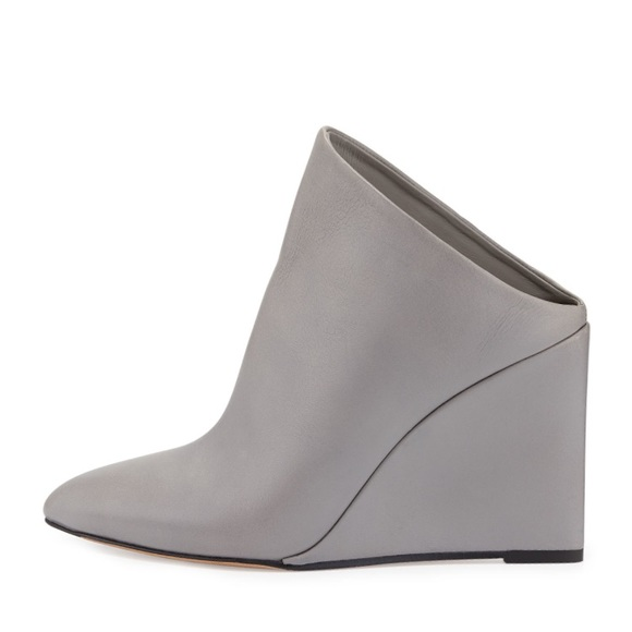 fcd665708de NWT Vince Vail Leather Wedge Mule in Truffle Gray
