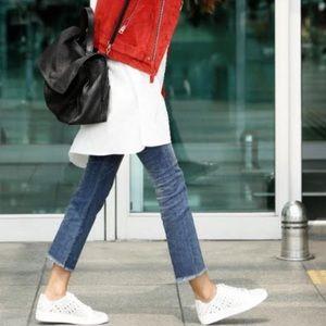 Brandy Melville Light Wash Frayed Hem Jeans