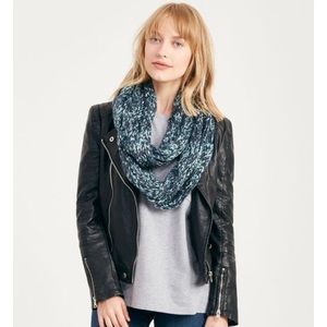 Accessories - NWT Marled infinity scarf in teal