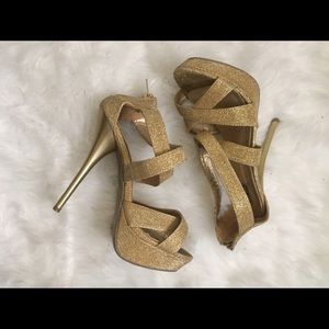 Shoes - Glitter gold high heels