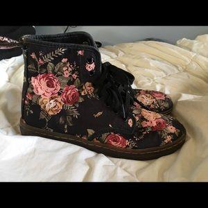 Doc Marten Shoreditch Floral sz 7