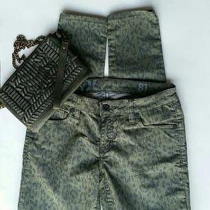 HURLEY Skinny Leopard Print Jeans EUC!