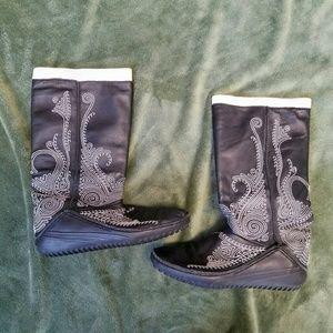 Puma Black Boots White Stitching Sz 6