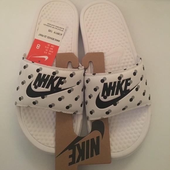 8001cf06f NWT Nike polka dot slide sandals size 8