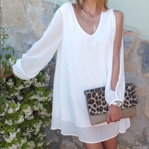V-neck Split Sleeve Chiffon white dress.Price firm