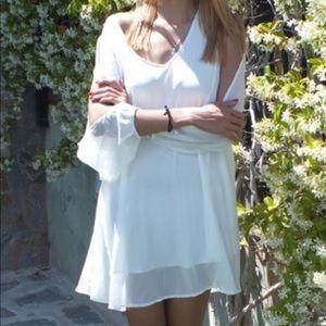 Boutique Dresses - V-neck Split Sleeve Chiffon white dress.Price firm