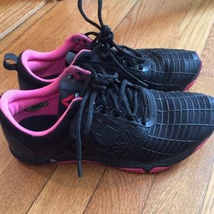 Reebok Shoes - Like new sneakers.