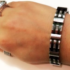 Evolve Always Other - 🆕Stainless Steel Bracelet Black And Silver