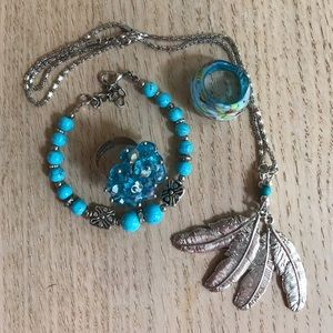 Jewelry - Set of 4 pieces of  turquoise jewelry