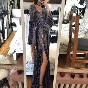 Love Riche Dresses & Skirts - LoveRiche Flared sleeved boho maxi dress size S