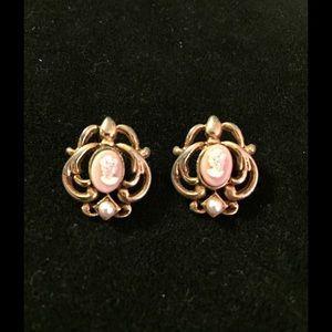 Pretty Vintage Cameo Earrings