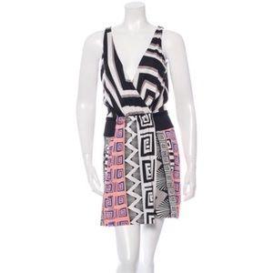 Diane von Furstenberg Dresses & Skirts - Diane Von Furstenberg oblixe Greek vertical dress