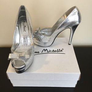Anne Michelle Shoes - Anne Michelle silver platform heels sz 6.5