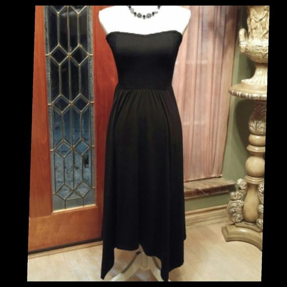 Dresses & Skirts - NWOT Smocked Handkerchief Hem Tube Torrid💥