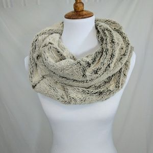 Maurices Accessories - Soft, Luxurious Faux Fur Infinity Scarf NWOT