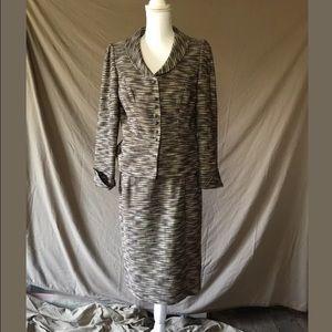 Ladies Isabel & Nina Suit, Jacket and Skirt sz 8