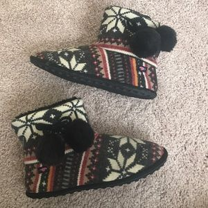 Rocket Dog Shoes - NEW Rocket Dog Winter Bootie Slippers! ❄️
