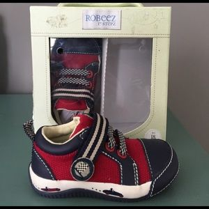 Robeez Other - Robeez 1st stepz boys shoes 18 mos