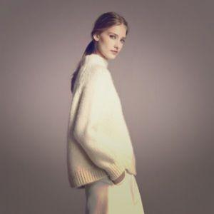 Carolina Herrera Sweaters - Carolina Herrera sweater