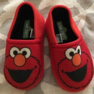 Sesame Street Other - Elmo slippers!