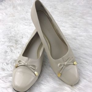 Hush Puppies Shoes - 💕SALE💕Soft Style by Hushpupies Cream Dress Heel