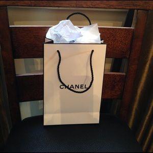 White/Black Chanel gift bag