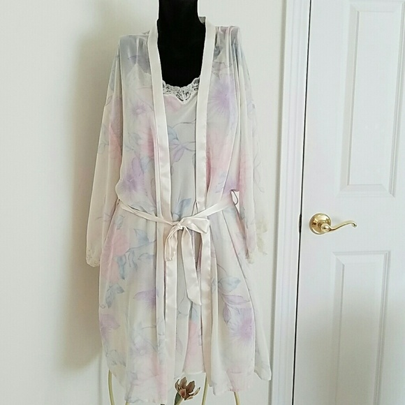 Valerie Stevens Intimates & Sleepwear | Pegnoir Robe Gown Set L ...