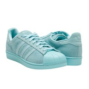 Adidas Shoes - ❤️HP❤️•ADIDAS• Superstar Low Top Sneaker