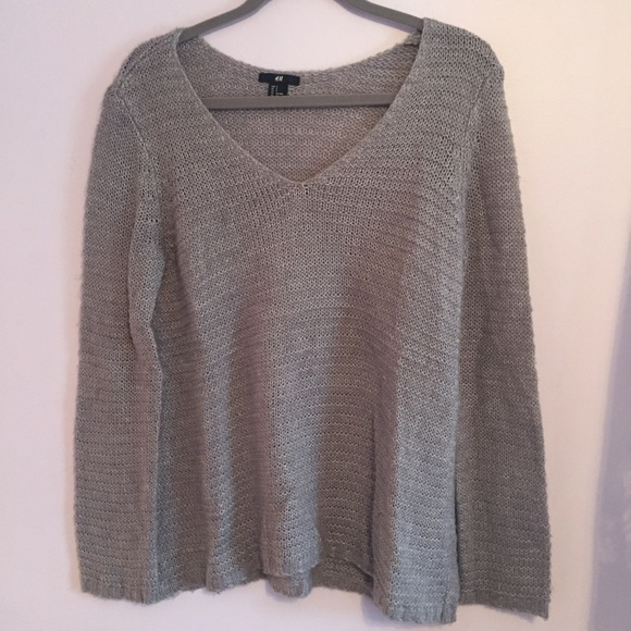d1550a099 H M Sweaters - H M Gray v-neck knit sweater