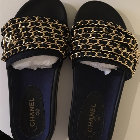 14e3193378b Chanel nylon chain slides black and gold
