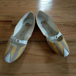 Isabel Toledo Shoes - Cute yellow, white and taupe flats!