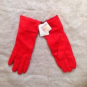 Uniqlo Accessories - NWT Uniqlo Shearling Gloves