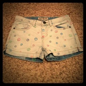Imperial Star Other - ($3 bundle)✌️ Peace sign shorts!
