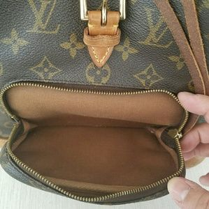 ??ADDITIONAL PHOTOS?? Louis Vuitton backpack