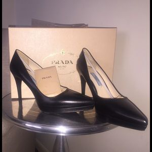 % Authentic Prada Pumps NWT!